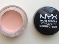 Hatásos módszer a szem alatti karikák ellen – Dark Circle Korrektor a NYX-től