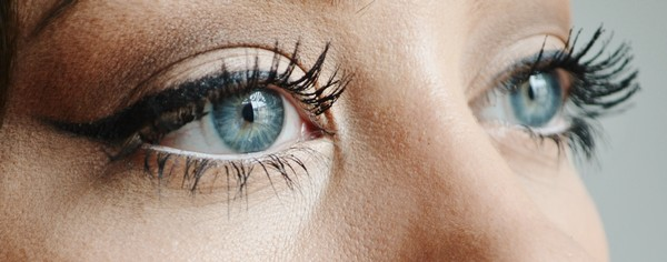 pros-and-cons-of-eyelash-perming